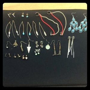 Jewelry - Group of Jewelry! 16 pairs!HM, Express, Boutique❤️
